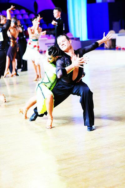 лучшие клубы по бальным танцам в москве